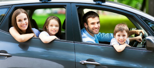 happy-family-in-the-car-aubanner-dp